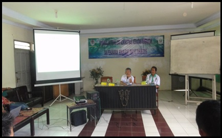 Kepala BPDASHL Barito memberikan materi tentang Kebijakan Penyelenggaraan KBR