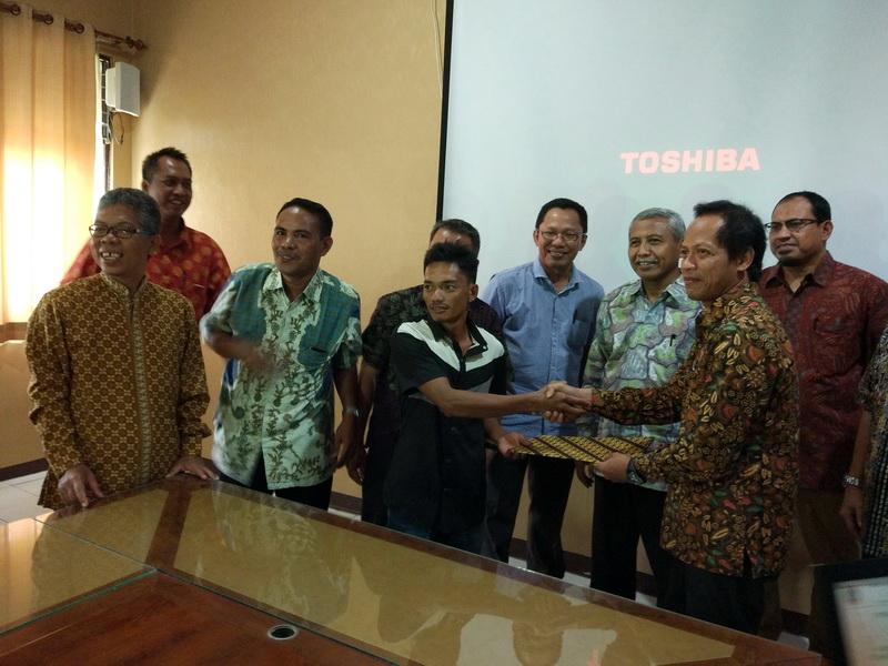 Penyerahan BAST Tanaman Rehab-DAS PT. TIA dari Kadishutprop Kalsel kepada Kelompok Tani Tambak Harapan Jaya disaksikan oleh Dirjen PDASHL KemenLHK
